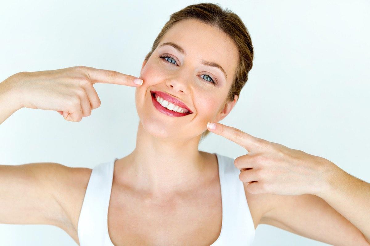 Federico-Campedelli-Dentista-Carpi-Smile-Design-Odontoiarria-Estetica-Sorridere-Sorriso-Fattori-che-definiscono-un-sorriso-Digital-Smile-Design-