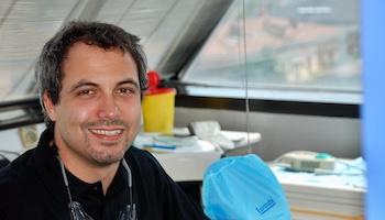 Federico-Campidelli-Dentista-a-Carpi-Faccette-dentali-Es